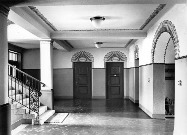 Historical Photograph: Entrance Hall (Image Archive: Zurich Department of Historical Preservation)