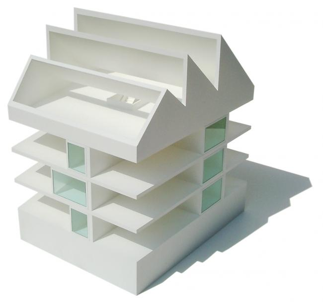 Model, Competition, 2003