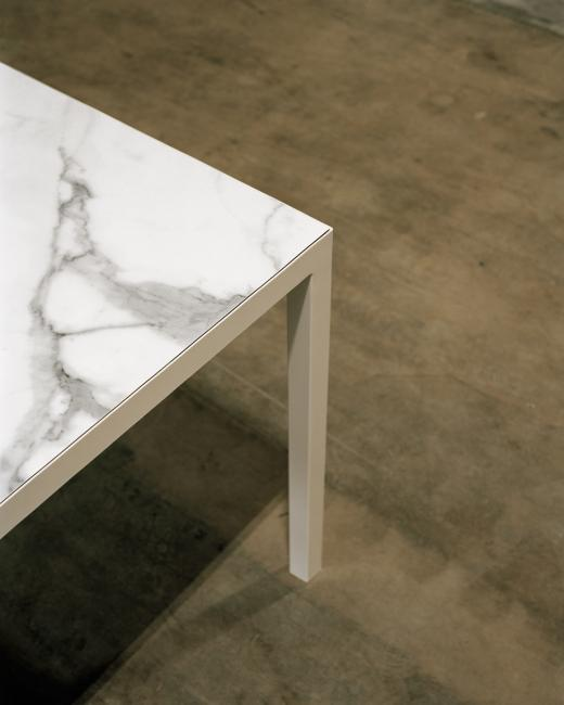 Detail Dining Table, 2017, House in Ruschlikon.\r\nMaterials: marble, steel.\r\nPhoto: Rasmus Norlander